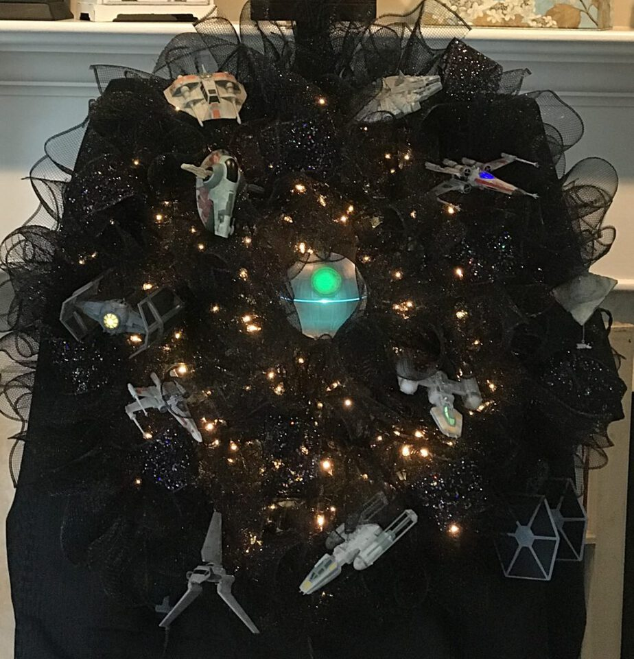 Make Easy Christmas Wreath - Star Wars Ornaments Wreath